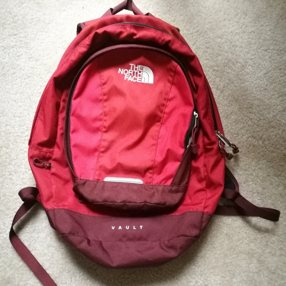 7b389fbd3422 The North Face Backpack Vault Red